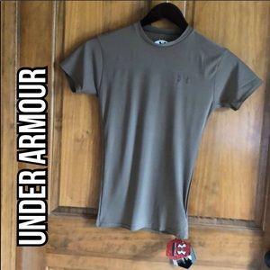 NWT Under Armour Compression Shirt Size Medium